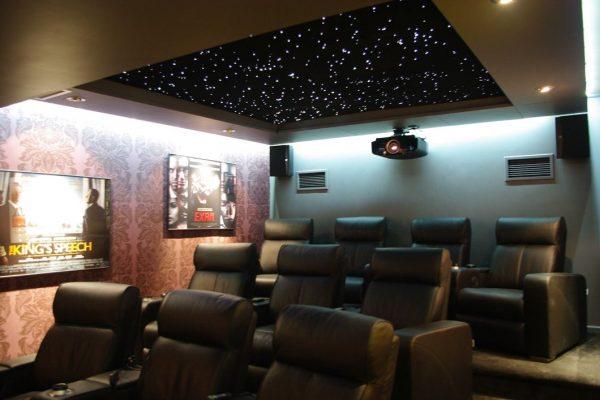 Домашний кинотеатр под ключ в Москве